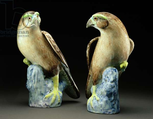 A pair of famille rose hawks (porcelain)