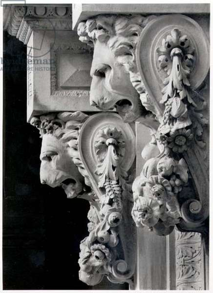 Lionheads, from the doorway of No. 12 Tokenhouse Yard, EC2, late 19th-early 20th century (b/w photo)