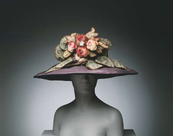 Woman's Hat, c.1920 (silk taffeta & painted velvet)