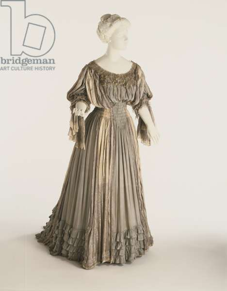 Woman's Dressing Gown (Tea Gown) Liberty & Co., 1906 (silk, lace & net)