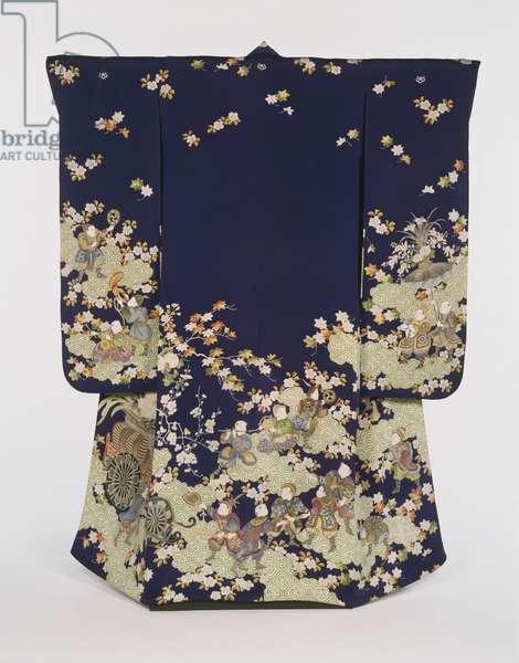 Woman's Kimono (silk plain weave with yuzen dyeing)
