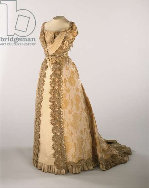 Woman's Dress: Bodice and Skirt, c.1900 (silk satin, silk velvet ribbon, tulle, pearl trim)