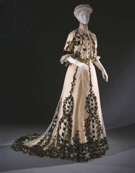 Dinner Dress, c.1902-7 (silk tulle, chiffon, taffeta and velvet)