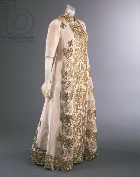 Coat, Fall 1939 (silk faille with gold embroidery)