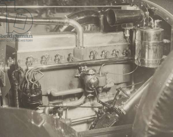 Kenworthy Line O' Eight engine, carbureter side, 1921 (b/w photo)