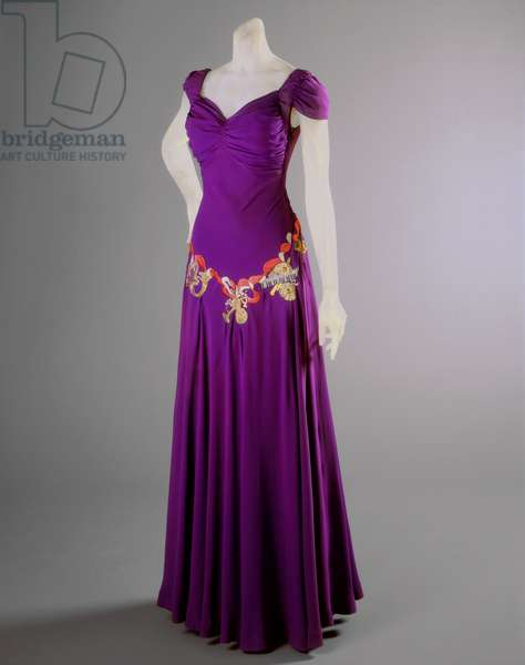Evening Dress, Fall 1939 (silk crepe with metallic & silk thread embroidery & pearls)