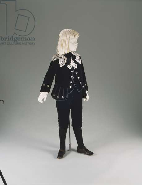 Boy's Suit, worn by Edward Bringhurst V (Little Lord Fauntleroy Suit) 1890 (silk velvet, silk braid and pewter buttons)