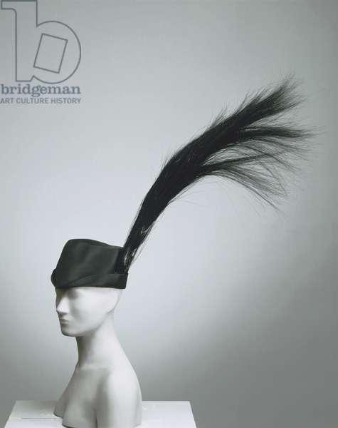 Woman's Hat, 1971 (black silk satin; artificial horsehair)