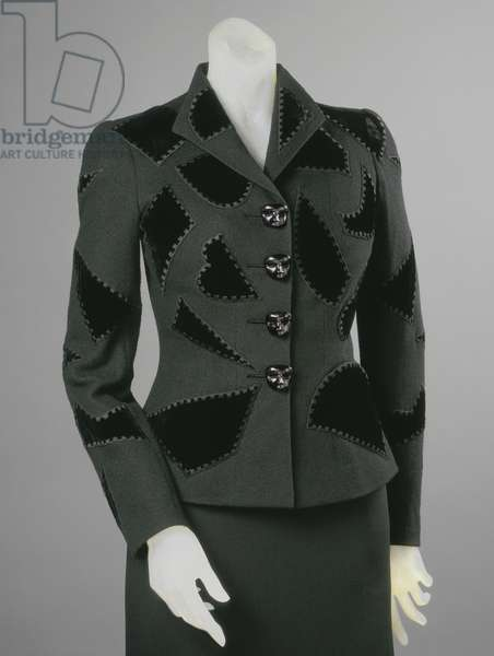Woman's dinner jacket, Spring 1939 (wool knit , rayon velvet appliqués, silk embroidery, metal buttons)