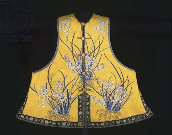 Manchu Woman's Semi-Formal Vest, Guangxu Period, c.1885-1905 (silk, slit tapestry weave)