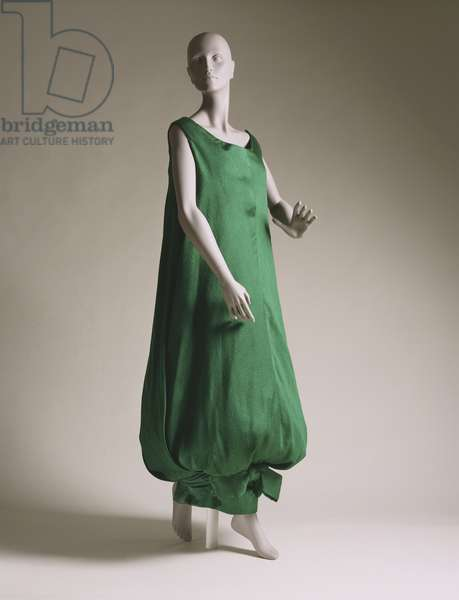 Sack dress by Simonetta, Roma, 1958 (crinkled silk satin)