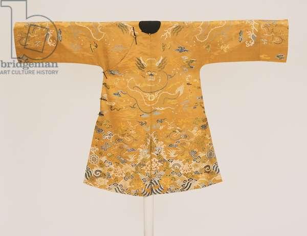 Woman's Informal Robe, Kangxi Period (silk satin & metallic thread)