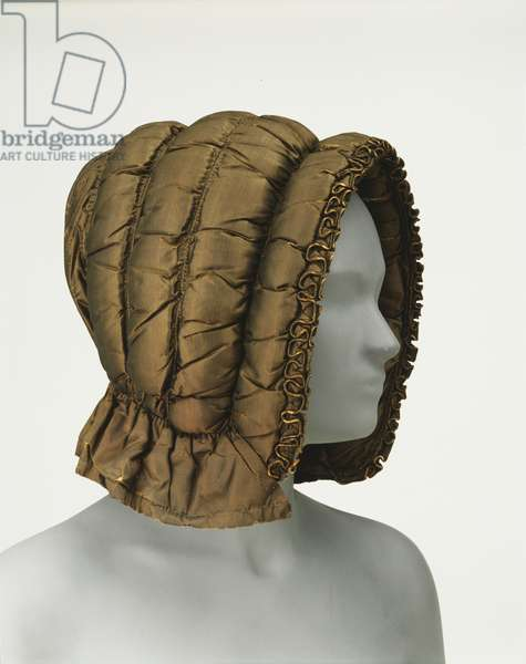 Woman's Winter Bonnet, 1810 (taffeta, padded & quilted)