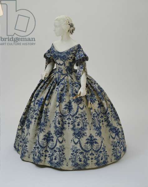 Woman's evening dress: bodice and skirt, c.1850-55 (Jacquard-woven silk moiré taffeta)