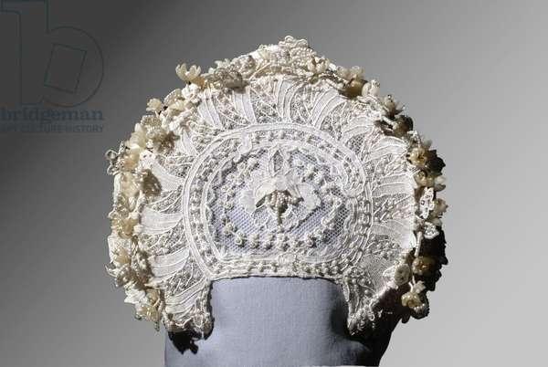 Grace Kelly's Wedding Wreath, 1956 (silk, tulle & seed pearls)
