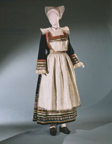 Traditional Breton Wedding Ensemble, Pont-Aven, c.1840 (textiles)