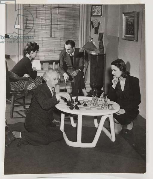 Max Ernst and Dorothea Tanning and Muriel and Julien Levy Playing Chess, The Julien Levy Gallery, New York, 1945 (gelatin silver print)