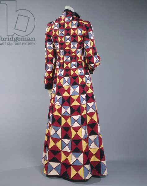 Evening Coat, Spring 1939 (wool with silk thread embroidery)