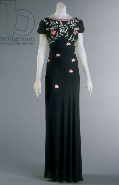 Evening Dress, Fall 1938 (silk crepe, plastic & silk thread embroidery)