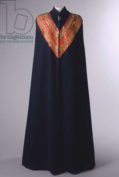 Evening Cape, Spring 1937 (wool & silk with gilded metallic thread embroidery)