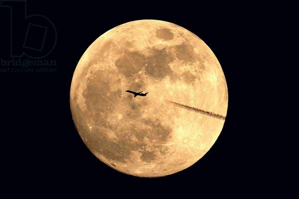 Moon and plane - Moon with a plane