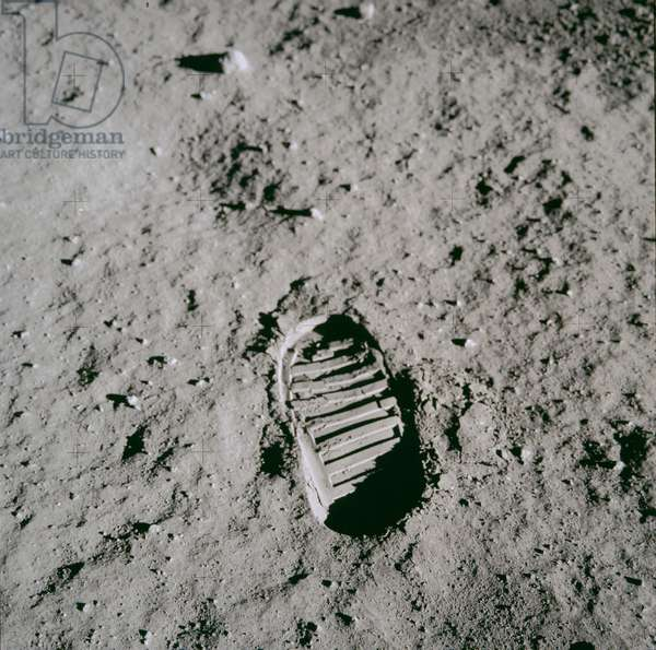 Apollo 11: Lunar ground with footprint - Apollo 11: Edwin Aldrin's bootprint in the lunar surface - Lunar surface with the Aldrin footprint. 20/07/1969. Edwin Aldrin's bootprint in the lunar surface. Jul 20 1969