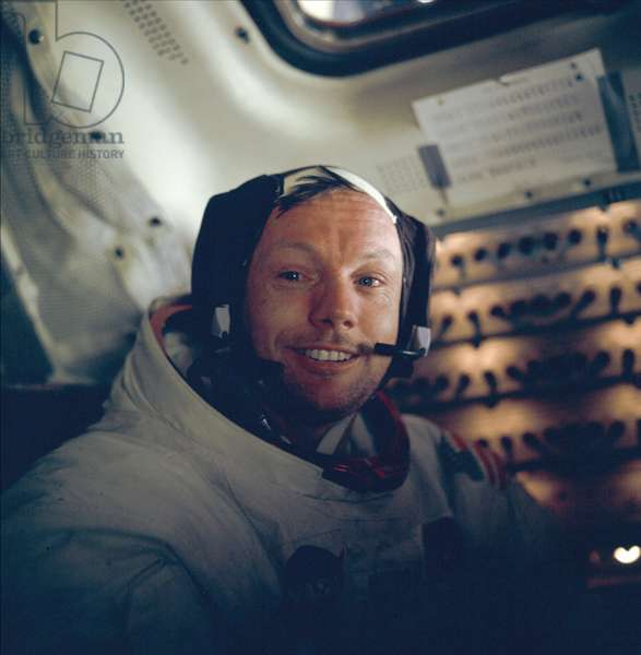Apollo 11: Neil Armstrong - Apollo 11: Neil Armstrong - Neil A. Armstrong in the lunar module. 20/07/1969. View of Astronaut Neil A. Armstrong, commander, in the Lunar Module after the extravehicular activities on the moon