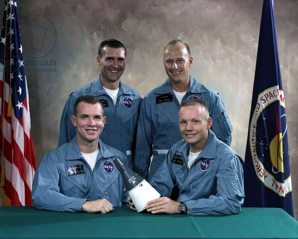 Gemini 8: Main crew and lining - Gemini 8 prime and backup crews - Main crew of Gemini 8: David Scott and Neil Armstrong. From left to right, reserve crew Richard Gordon and Charles Conrad. 4 November 1965. Gemini 8 prime crew (left to right): David Scott, pilot and Neil Armstrong, command pilot. Backup crew (standing from left to right): Richard Gordon, pilot and Charles Conrad, command pilot. Nov 04 196
