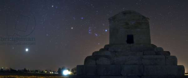 Venus and the tomb of Cyrus the Great - Venus and the tomb of Cyrus the Great - Venus, in the constellation of Gemeaux, shines near the tomb of Cyrus the Great a Pasargades (Iran). The zodiacal light is discernable. 18 August 2009. Venus, in the constellation of Gemini, is shining near the tomb of Cyrus the Great in Pasargadae, Fars province, southen Iran. Zodiacal light is also visible. August 18, 2009