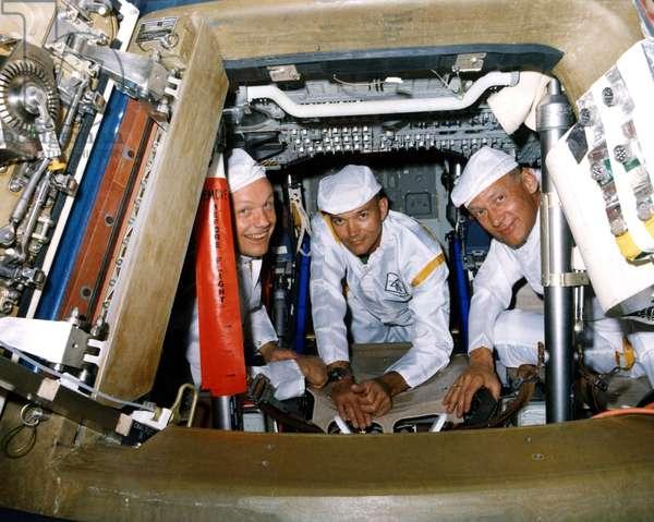 Crew Apollo 11 - Apollo 11 crew - Crew Apollo 11 performing tests. 10/06/1969. Prime crew during a walk - through egress test. Jun 10 1969