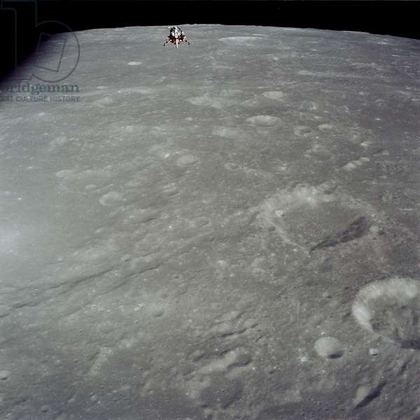 Apollo 12: the LEM above the Moon 11/1969 - Apollo 12: LM above Moon - 11/1969 - LEM 11/69 - View of the LEM above the Albategnius and Muller crateres. 19/11/1969 View of the Lunar Module over Craters Hind, Albategnius and Muller. Nov 19 1969