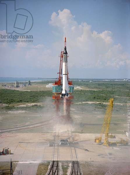 Mercury - Redstone - 3: decollage de la fusee 05/1961 - Launch of Freedom 7, the first American manned suborbital space flight. Astronaut Alan Shepard aboard, the Mercury - Redstone (MR - 3) rocket is launched from Pad 5 . May 05 1961