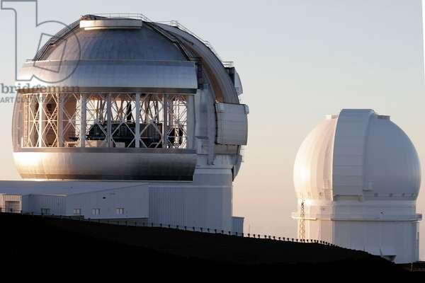 Mauna Kea Observatory - Telescope Gemini north - Mauna Kea Observatory - Telescope Gemini north - In the background the CFHT telescope