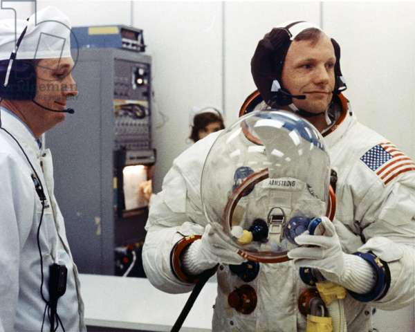 N. Armstrong 07/1969 - Cloth meeting for Neil Armstrong before departure, Apollo mission 11. 16/07/1969. Neil Armstrong during suitup. Jul 16 1969