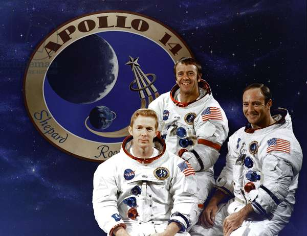 Crew Apollo 14 - Apollo 14 crew - Stuart Roosa, Alan Shepard and Edgar Mitchell pose in front of the emblem of Apollo 14. 03/12/1970. Stuart Roosa, Alan Shepard and Edgar Mitchell posing in front of the Apollo 14 emblem. Dec 03 1970