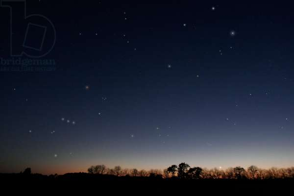 Winter constellations - Winter constellations - The Moon sets on the horizon to the west this 28 April 2006 in Maryland. In the sky on the left, the constellation of Orion, in the center the Taurus with the clusters of the Hyades and Pleiades, on the right the constellation of Persee, above to the center the Coach with the bright star Capella, on its left, the Gemels with the planet Mars. The crescent Moon with Earthshine sets in the twilight in the west with the Winter constellations of Orion, Gemini, Auriga, Taurus and Perseus