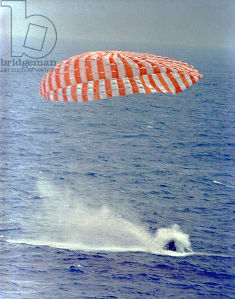 Gemini 9: return of the capsule - Gemini 9 splashdown - Ditching the capsule Gemini 9 on 6 June 1966. Splashdown of Gemini 9A carrying astronauts Eugene Cernan and Thomas Stafford at 9:00 a.m., June 6, 1966