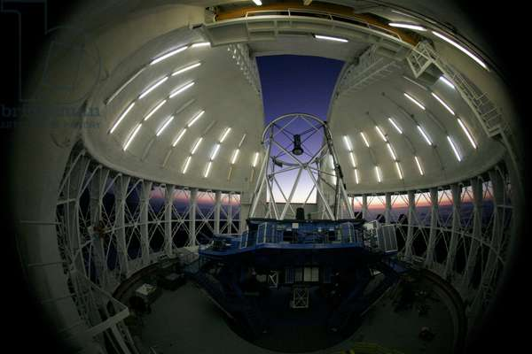Mauna Kea Observatory - Telescope Gemini north - Mauna Kea Observatory - Telescope Gemini north - The 8.2 meter Gemini North telescope, at the Mauna Kea Observatory, Hawaii