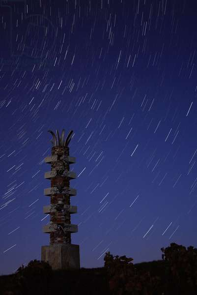 """Stars - Star trails - Stars on a sculpture located in Mailly - Champagne (Marne). This sculpture by Bernard Pages represents the element """""""" terre"""""""". It is a public commission to pay tribute to the philosopher Gaston Bachelard (1884 - 1962), originally from Champagne - Ardenne. Star trails above a sculpture in Mailly - Champagne (Marne, France)"""