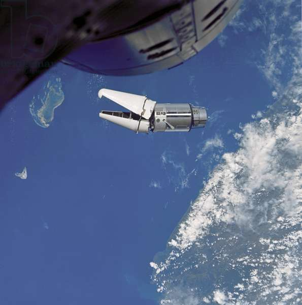 "Gemini 9: ATDA seen from Gemini - ATDA seen from Gemini 9 - ATDA (Augmented Target Docking Adapter), the mooring target of Gemini 9 malfunctioned and the mooring was canceled. 3 June 1966. The Augmented Target Docking Adapter (ATDA) as seen from the Gemini 9 spacecraft during one of their three rendezvous in space. The ATDA and Gemini 9 spacecraft are 66.5 ft. apart. Failure of the docking adapter protective cover to fully separate on the ATDA prevented the docking of the two spacecraft. The ATDA was described by the Gemini 9 crew as an """" angry alligator."" Jun 03 1966"