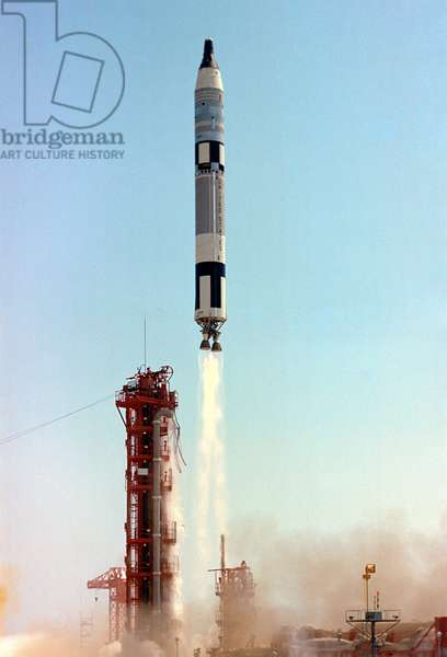Decollage of Gemini 4 - Gemini 4 launch - Launch of Gemini 4. 3 June 1965. Launch of Gemini 4 carrying James McDivitt and Edward White. Jun 03 1965