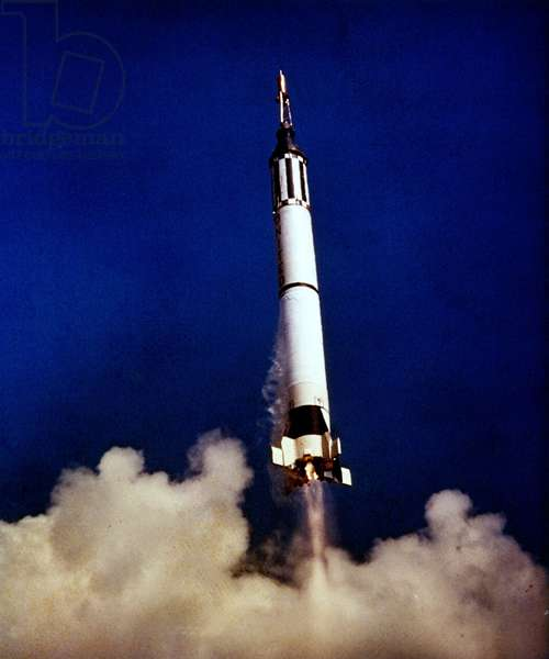 Mercury - Redstone - 3: decollage de la fusee - Liftoff the Mercury - Redstone 3 spacecraft carrying Alan Shepard. Cape Canaveral. May 05 1961