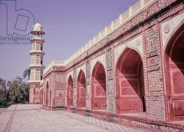 Jahangir's Tomb, Lahore, Pakistan, 1969 (photo)
