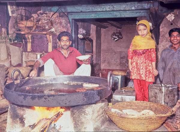 Muslim girl in traditional dress, Lahore Bazaar, Pakistan, 1969 (photo)