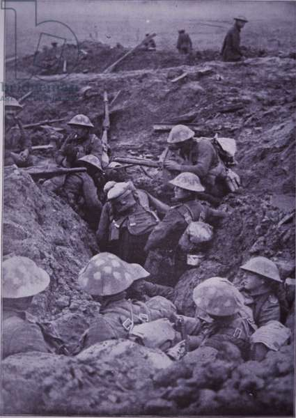 WW1 British troops in roughly dug trenches await the signal to attack during the Third Battle of Ypres in October 1917 (b/w photo)
