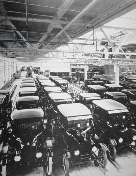 Completed Model T Ford motorcars await delivery, 1925 (b/w photo)
