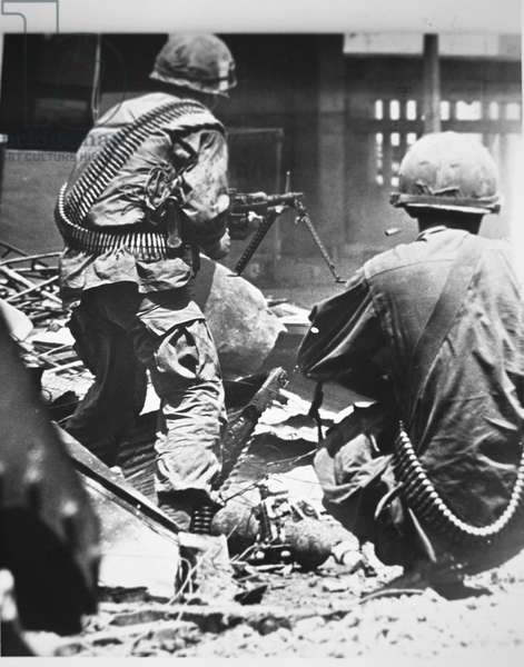 US troops fighting to recapture the city of Hue during the Tet Offensive, January-February 1968 (b/w photo)