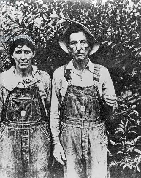 Migrant Fruit Pickers, California, 1937 (b/w photo)