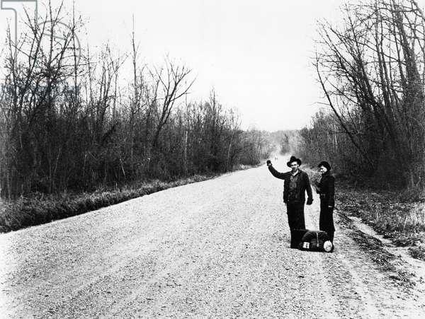 Hitchhikers, near Vicksburg, Mississippi, 1936 (b/w photo)