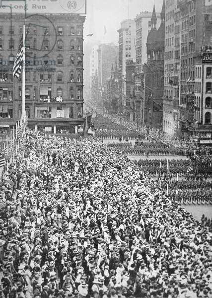 A United States Division parades through New York on the way to training camp prior to service in France, 1917 (b/w photo)